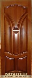 Двері з масиву деевини