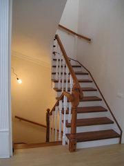 Лестницы и двери деревянные по приемлемой цене.