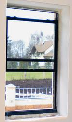 Вертикально сдвижные окна. Алюминий и пластик